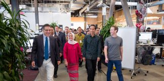 Presiden Jokowi dan Ibu Negara bertemu Mark Zuckerberg di kantor Facebook